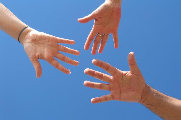 hands-in
