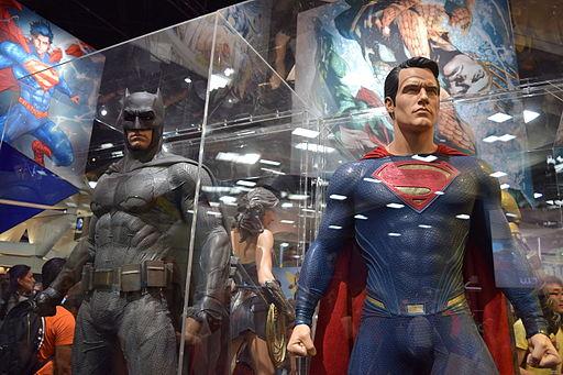 Batman_v_Superman_costumes_SDCC_2015.jpg